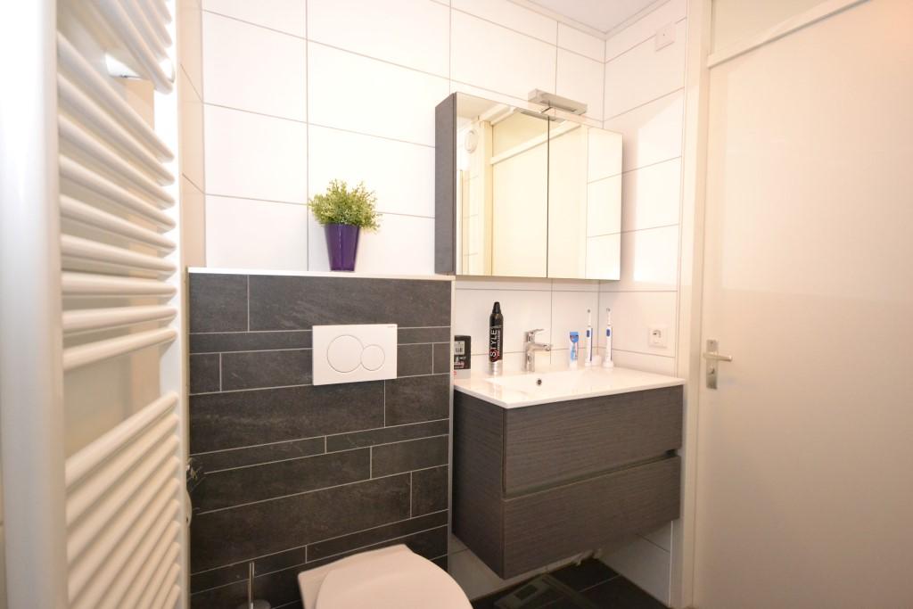 Kleine badkamer en toch Luxe en comfort - Ba-s